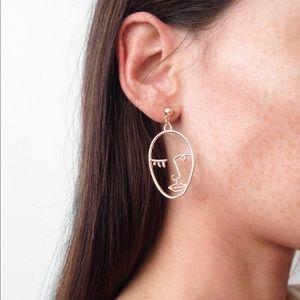 ❗LAST ONE❗17Basics self portrait drop earrings